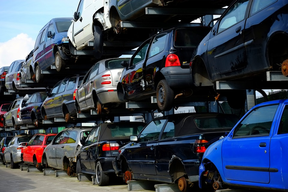 Easy Car Removal with Top Car Wreckers in Sydney