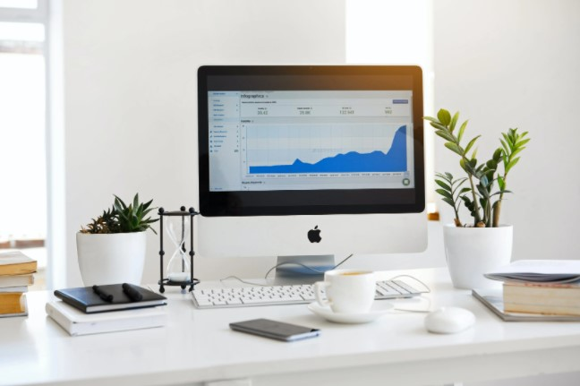 4 Business Expenses That Add Up Over Time